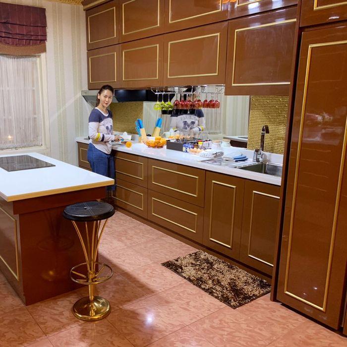 Mengintip Mewahnya Dapur Inul Daratista yang Bersih dan Bernuansa Serba Cokelat