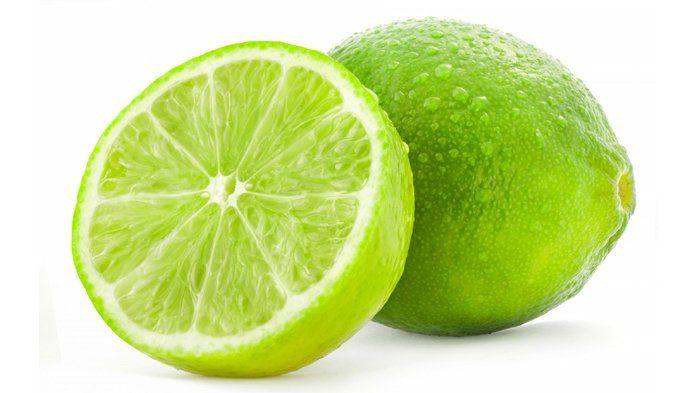 Lemon dapat membantu kamu menghilangkan kuku kuning