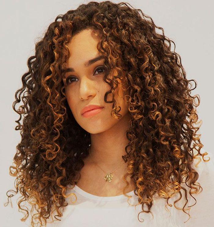 Deretan Gaya Rambut Yang Cocok Untuk Kamu Wanita Berambut Keriting Semua Halaman Stylo