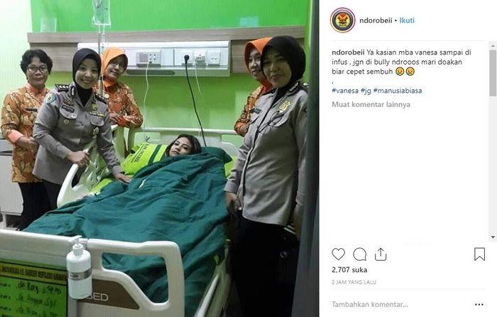 Foto Vanessa Angel terbaring di rumah sakit yang beredar di Instagram.