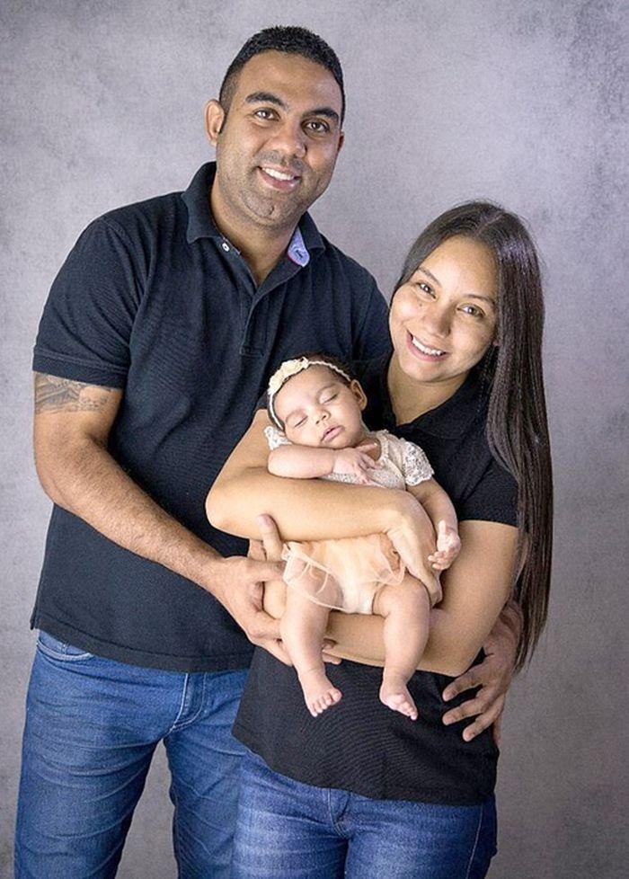 Pasangan Santos dan Fabiana ini akhirnya memiliki anak pertama mereka