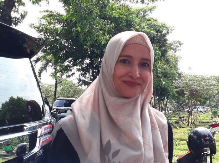 Inneke Koesherawati saat ditemui di TPU Karet Bivak, Jakarta Pusat pada Jumat (8/2/2019).