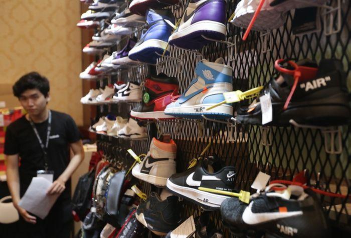 Suasana Jakarta Sneaker Day 2019 di The Hall Senayan City, Jakarta, Kamis (7/2/2019). Bertema Community Enabler, Jakarta Sneaker Day akan berlangsung hingga 9 Februari 2019 mendatang.