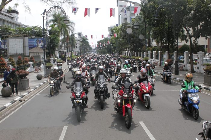 100 Bikers Honda kawal Marquez