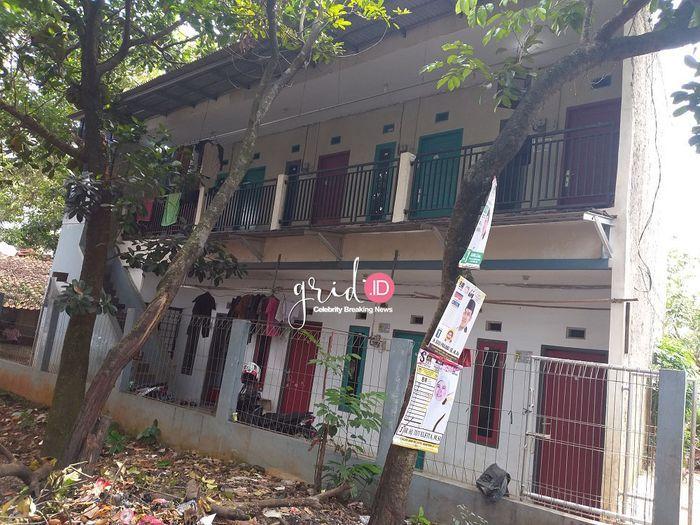 Rumah kontrakan Adi Saputra