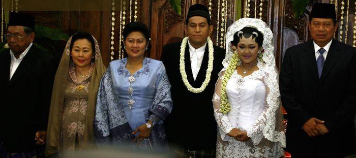 Pernikahan Anita Hayatunnufus Rahman dengan Imam Jehan Akbarsyah Sikumbang