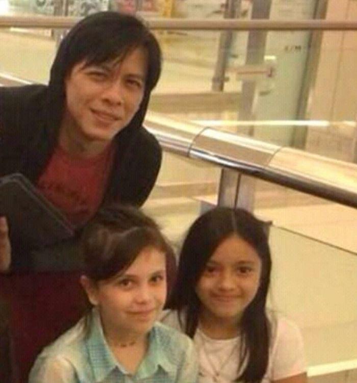 Ariel bersama Aleia dan putri Sophia Latjuba`
