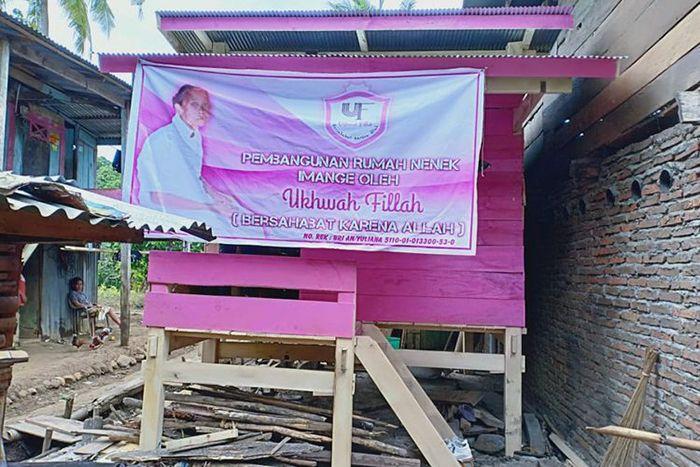 Renovasi rumah nenek Imangi