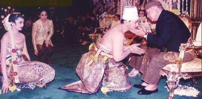 Pernikahan Tommy Soeharto dan A