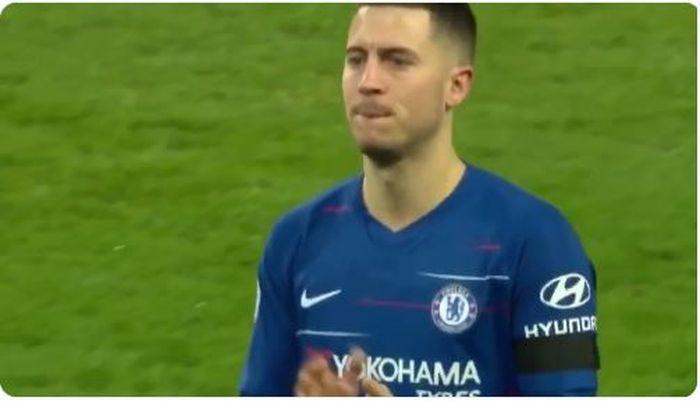 Eden Hazard hampir menangis setelah Chelsea kalah telak 0-6 dari Manchester City dalam laga pekan ke-26 Liga Inggris, Minggu (10/2/2019).