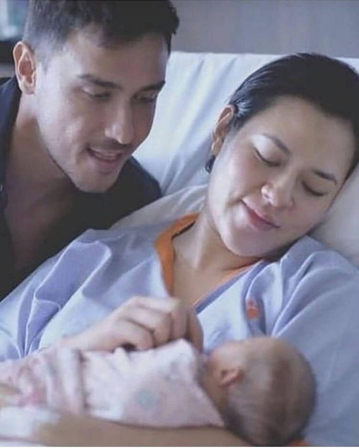 Potret penampilan cantik natural Raisa Andriana setelah melahirkan anak pertamanya dengan Hamish Daud