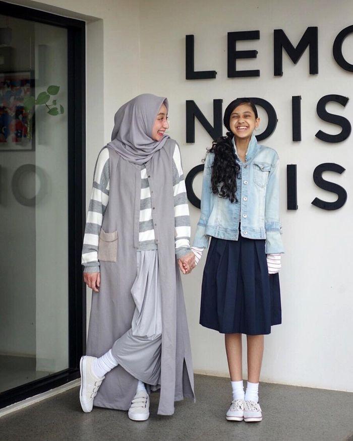 Gaya kompak anak presenter Ramzi, Asila Maisa dan sang Mama