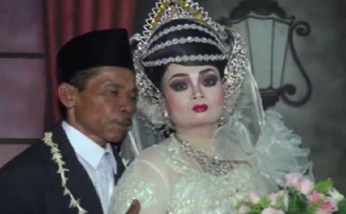 Riasan pengantin perempuan ini dinilai tak biasa