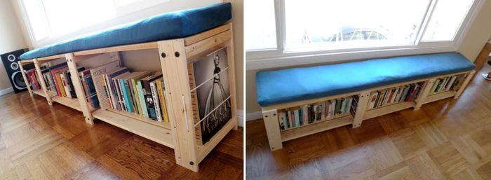 Rak buku di bagian bawah tempat duduk