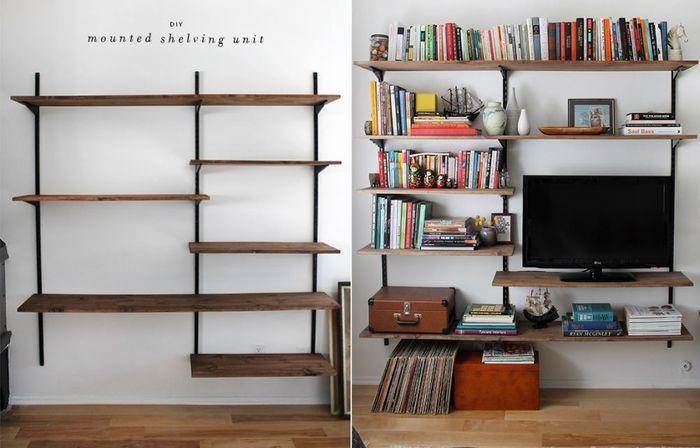 Rak buku yang juga bisa digunakan sebagai penyimpanan televisi