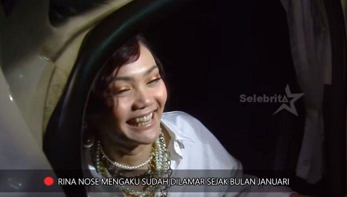 Rina Nose mmenjawab kabar pertunangan dirinya