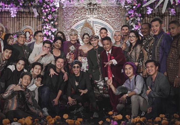 Pernikahan putra Ajik Krisna