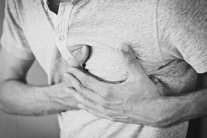 nyeri dada tanda awal serangan jantung