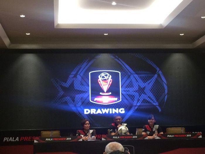 Ketua Organizing Committe Piala Presiden 2019, Iwan Budianto memberikan keterangan soal turnamen tahunan ini di Jakarta pada 19 Februari 2019.