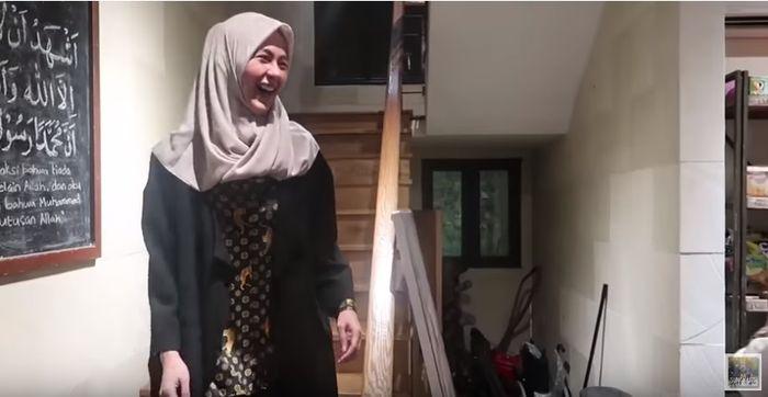 Penampilan Paula Verhoeven setelah didandani Shireen Sungkar
