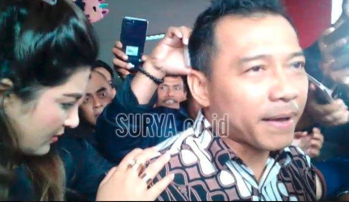 Anang Hermansyah dan Ashanty usai menjenguk Ahmad Dhani di Rutan Medaeng Sidoarjo, Kamis (21/2/2019).