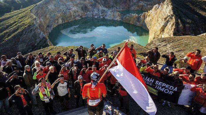 Merayakan Hari Kemerdekaan Republik Indonesia di Puncak Kelimutu menjadi pengalaman paling berkesan bagi para peserta.