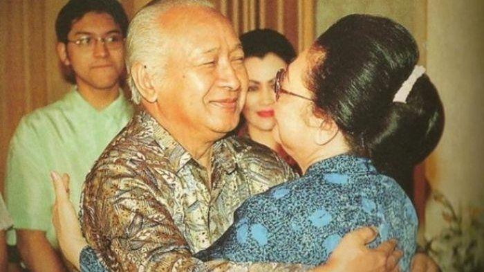 Kisah cinta Pak Harto dan Bu Tien.