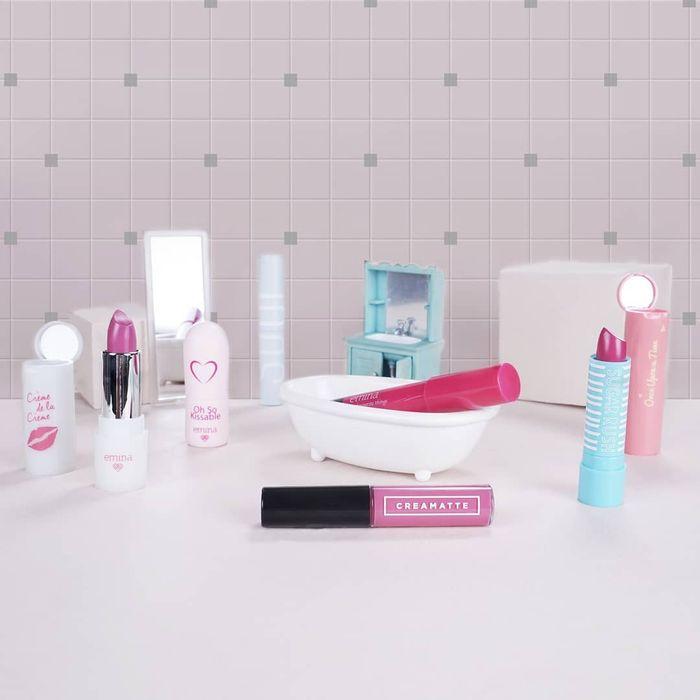 5 Rekomendasi Brand Kosmetik Lokal yang Memiliki Sertifikat Halal, Harganya Terjangkau Tapi Berkualitas!