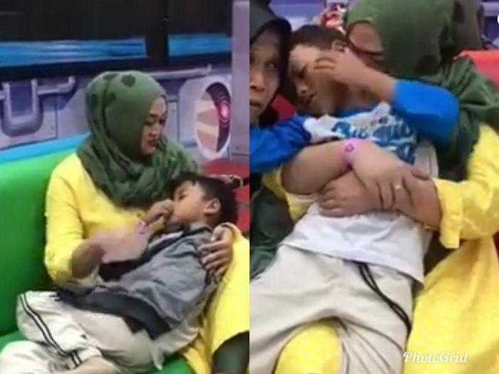 Lina saat momong anaknya.