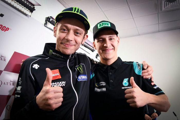 Valentino Rossi dan Fabio Quartaro, pembalap paling gaek versus paling muda di MotoGP musim ini