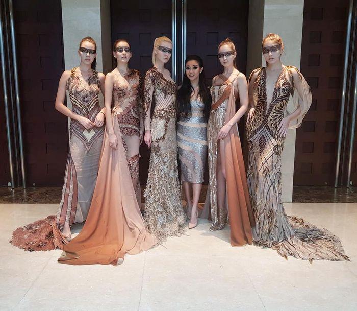 Mengenal Lebih Dekat Sosok Diana Putri Fashion Desainer Langganan Diva Indonesia Hingga Artis Hollywood Semua Halaman Stylo