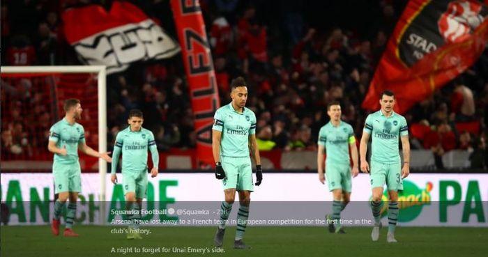 Para pemain Arsenal tertunduk lesu setelah kalah 1-3 dari Rennes dalam laga leg I babak 16 besar Liga Europa, Kamis (7/3/2019) di Roazhon Park.
