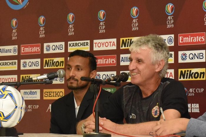 Pemain dan pelatih Persija Jakarta yakni Rohit Chand serta Ivan Kolev dalam jumpa pers, Senin (11/3/2019), jelang laga kontra tuan rumah Shan United pada ajang Piala AFC 2019.