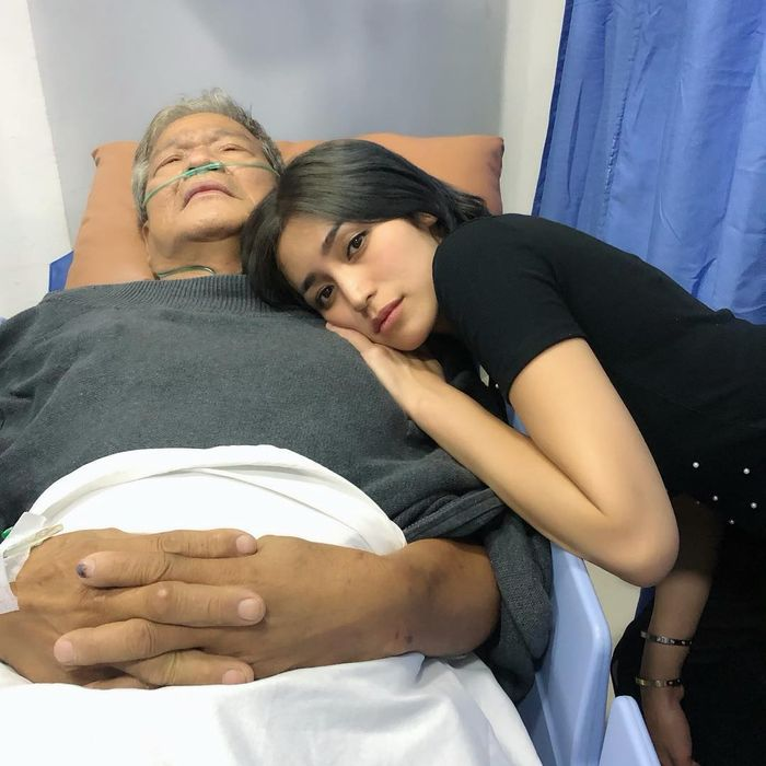 Ayah <a href='http://pontianak.tribunnews.com/tag/jessica-iskandar' title='Jessica&nbsp;Iskandar'>Jessica&nbsp;Iskandar</a> jatuh sakita