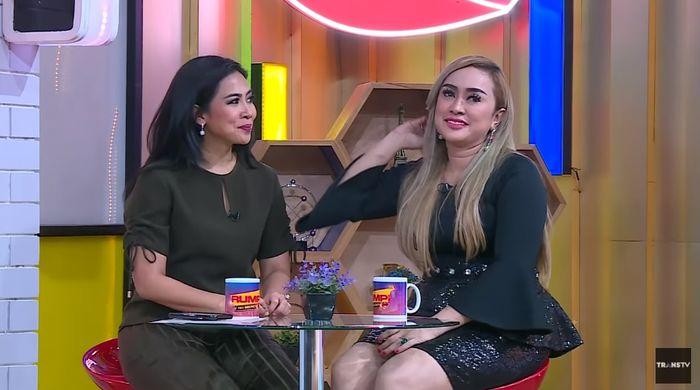 Lia Ladysta bongkar hubungan Syahrini dan pak Haji Banjarmasin