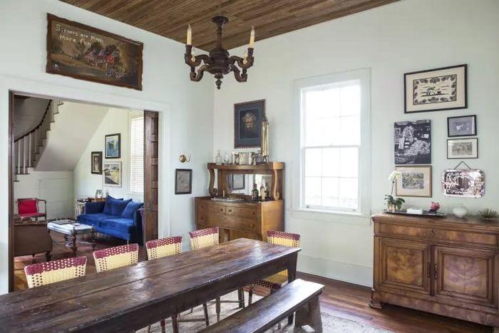 Gunakan furnitur elemen kayu