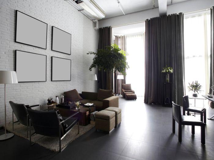 Gunakan karpet atau rak buku sebagai pembatas ruang. Kedua barang ini bisa dengan mudah dipindahkan