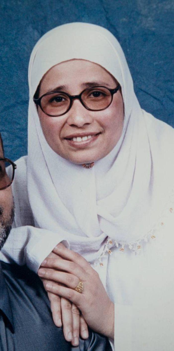 Istri Farid Ahmed, Husna Ahmed (44) yang meninggal dunia saat hendak menolong suaminya yang tengah salat jumat dengan kursi roda.