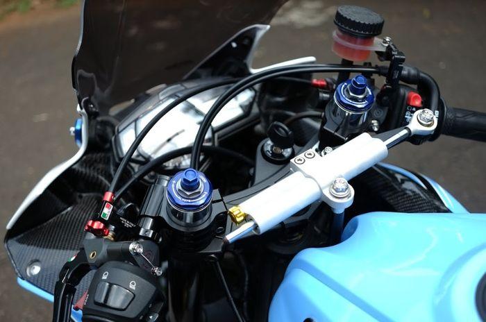 Yamaha YZF-R25 Airbrush keluaran 2016 milik Indra Gunawan Laksmono  Ai-Tech Speed Shop Garapan Salim Airbrush