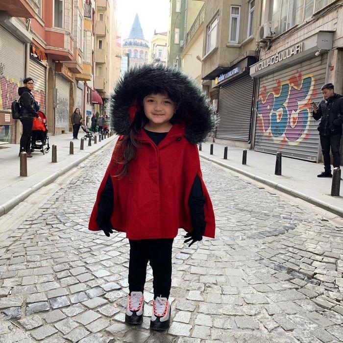Potret Arsy Hermansyah saat liburan di Turki