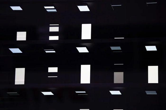 Toko dengan fasad 1000 smartphone