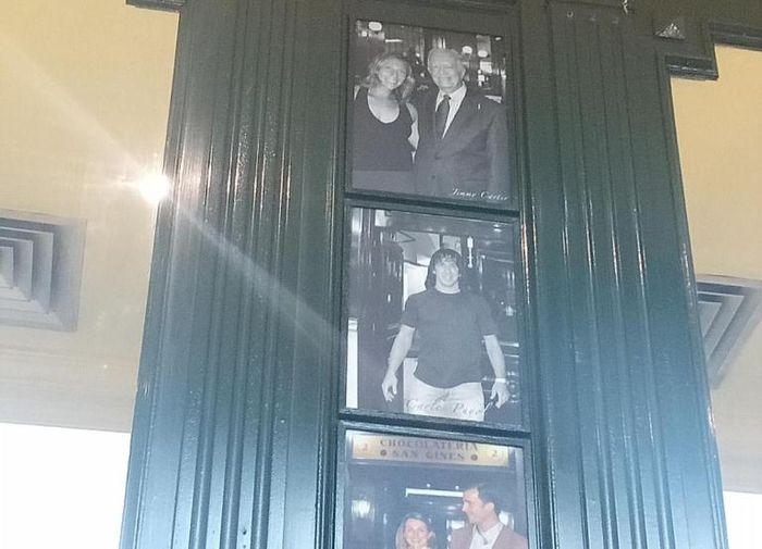 Foto eks kapten Barcelona, Carles Puyol, di restoran San Gines