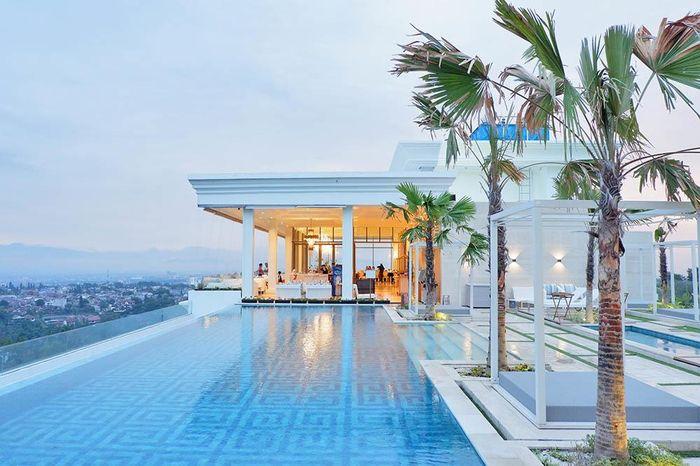 Art Deco Luxury Hotel & Residence Bandung