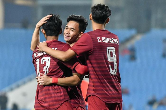 Para pemain timnas U-23 Thailand merayakan gol ke gawang Brunei Darussalam pada laga kedua Kualifikasi Piala Asia U-23 2020, Minggu (24/3/2019).
