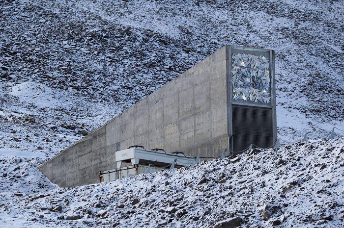 Bangunan Doomsday Vault tampak luar