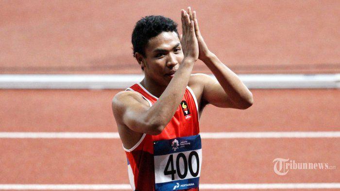 Ekspresi pelari Indonesia Lalu Muhammad Zohri usai tampil pada babak final Lari 100 meter Putra Asian Games ke-18 Tahun 2018 di Stadion Utama Gelora Bung Karno Senayan, Jakarta, Minggu (26/8/2018). Zohri gagal meraih medali dan hanya mampu finish di posisi ketujuh dengan catatan waktu 10,20 detik.
