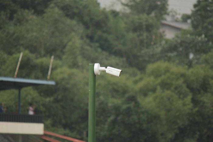 Ada 10 kamera CCTV yang tersebar di seluruh titik sirkuit