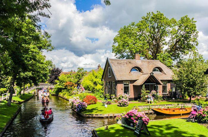 Desa Giethoorn, Belanda