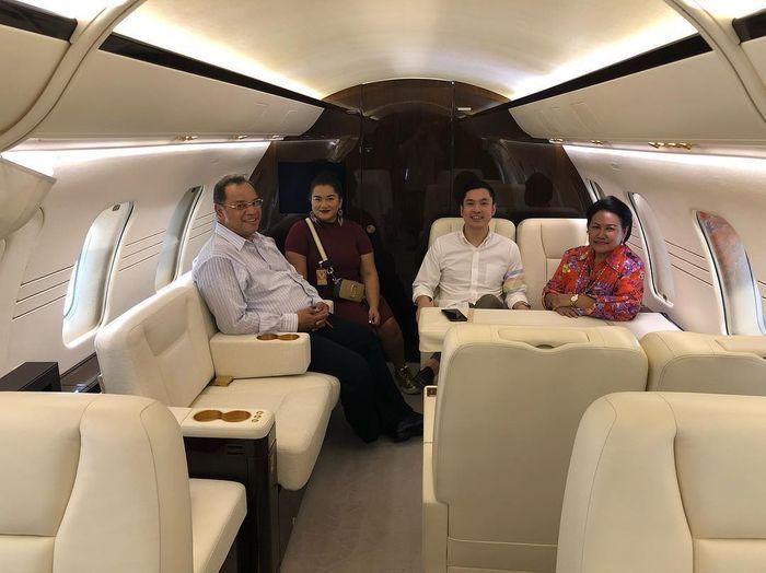 Sandra Dewi belikan jet pribadi untuk anaknya yang baru berusia satu tahun.