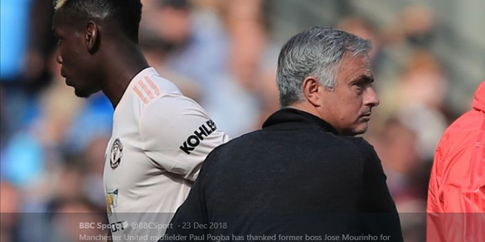 Pelatih Jose Mourinho (kanan) dan Paul Pogba (kiri) semasa membela Manchester United.